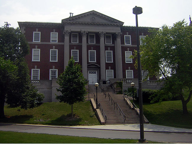 Syracuse University Maxwell School of Citizenship and Public Affairs